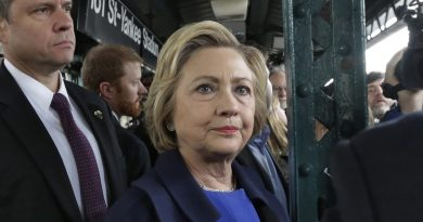 Democratic presidential candidate Hillary Clinton waits for a subway train at the 161St  - Yankee Stadium stop in the Bronx borough of New York,  Thursday, April 7, 2016. (AP Photo/Richard Drew)